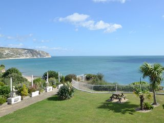 Cozy Holiday Home in Swanage with Balcony