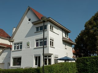 Charming villa within walking distance of the beach and the center of Knokke