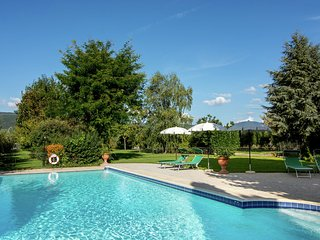 Luxurious, cozy apartment with pool near Cortona in Tuscany versatile