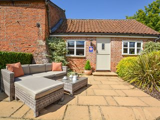 Cosy cottage with nice terrace in the village of Swannington