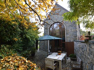 A charming cottage in the heart of a typical village, outdoor pool in summer