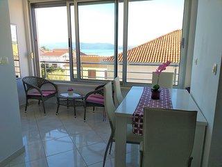 Cosy Apartment in Trogir Near Beach