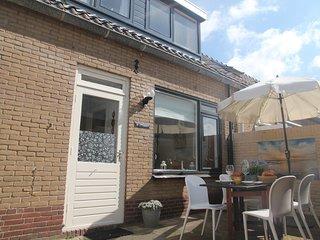 Lovely holiday home near white dunes of Egmond aan Zee