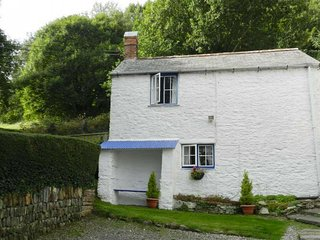 Quaint holiday home in Combe Martin with Beach Nearby