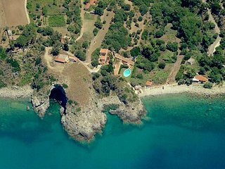 Vintage Mansion in Calabria with Swimming Pool