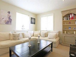 Modern holiday home in Aldeburgh near beach