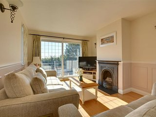 Comfortable and luxurious family home with beautiful sunny garden, close to the