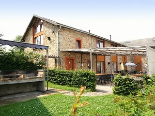 Renovated farmhouse quiet location with garden, terrace,ideal for walks/cycling