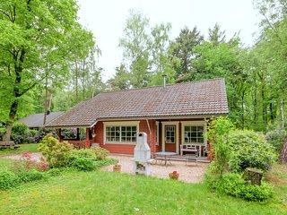 Quaint Cottage near Forest in Bennekom