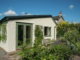 Nice Cottage in Brecon South Wales with Stone Terrace
