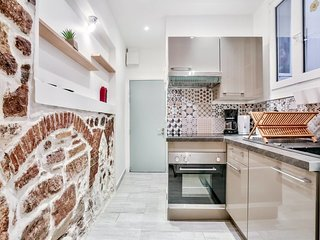 Apartment in old central Frejus by easyBNB