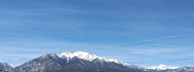 'Mountain','Nature','Mountain Range','Outdoors','Land'