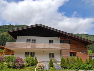 Spacious Chalet in GroBarl with Sauna
