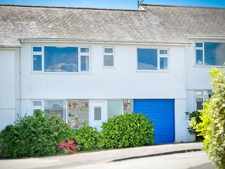 Beautiful Holiday Home in Abersoch Britain with Gardens