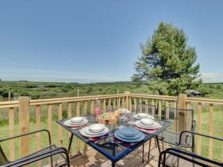 Cottage in peaceful surroundings of Hartland, offering views of the fishing pond