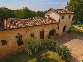 Modern Farmhouse in Citta di Castello with Pool