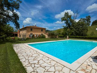 Luxurious Villa in Ghizzano Italy with Swimming Pool