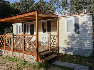 Mobile home 150 meters distant from the beach !