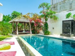 3 BR Orchid Paradise Bukit Villa | Rooftop Family Home Rentals in Uluwatu Bali