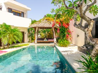 4 BR Orchid Paradise Bukit Villa | Rooftop Family Home Rentals in Uluwatu Bali