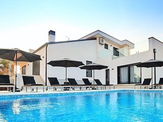 Beautiful Villa in Kaštel Croatia With Swimming Pool
