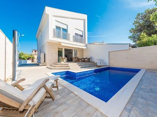 Modern Villa in Privlaka with Pool