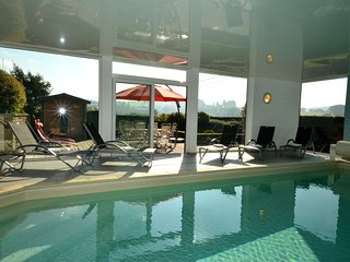 Luxury house with indoor heated swimming pool in the village in the Ardennes