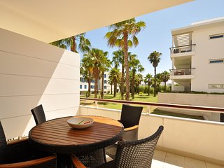 Excellent 1 bedroom ground floor apartment at the Marina de Lagos