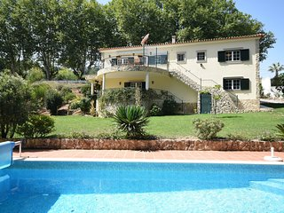 Nice Villa situated in Óbidos, Lisbon with Large Garden