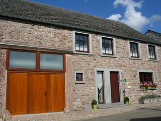 Pretty family cottage in the heart of a quiet village between Dinant and Chimay!