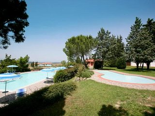 Spacious Holiday Home in Montaione with Garden