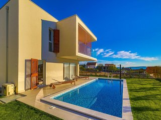 Modern villa, heated private pool, close to the sea, in-between Split  & Trogir