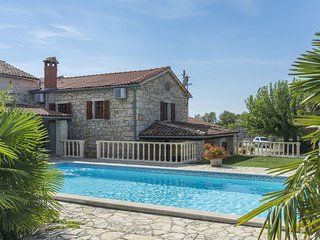 Spacious Villa in Istria with Swimming Pool