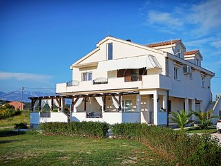 Spacious holiday house with private garden, 3 roofed terraces, 200m from the sea