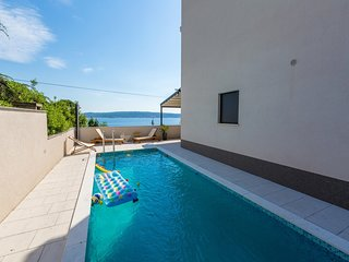 Modern home  with private pool and terrace with sea view !