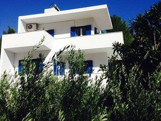 Maisonette in villa in beautiful Agia Fotia Bay, SE coast Crete, near the sea