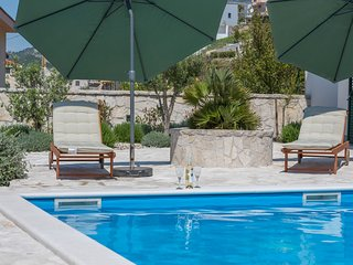 Luxurious Villa in Makarska with Pool