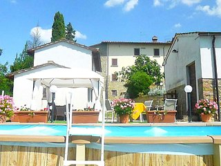 Peaceful Cottage near Arezzo with Swimming Pool