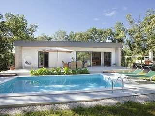 Relaxing Villa with Swimming Pool in Juricani