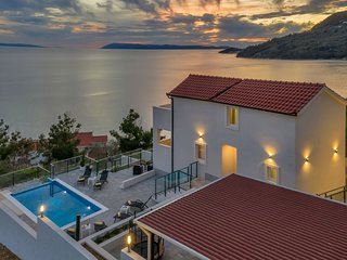Stunning Villa in Drašnice with Private Pool