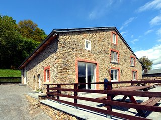 Detached, characteristic holiday farmhouse with spacious terrace in the Ardennes