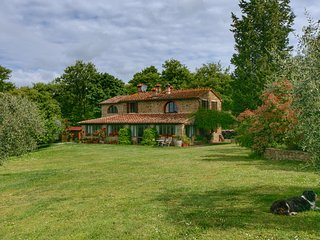 Rural villa with heated pool, large terrace and beautiful views