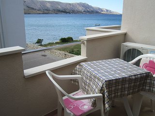 Nice studio apartment with balcony and sea view,50 meters distant from the beach