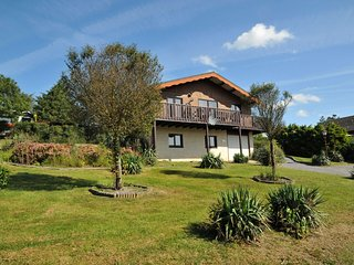 Attractive Holiday Home in Somme-Leuze with Sauna