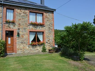 Lovely Holiday Home in Daverdisse with Terrace