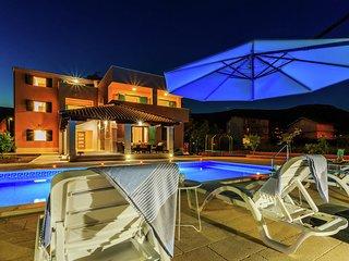 Modern Villa in Kastel Novi with Swimming Pool