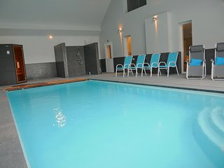 Cozy Holiday Home in Somme-Leuze with Private Pool and Sauna