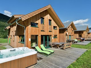 Modern Chalet in Sankt Georgen ob Murau with Jacuzzi