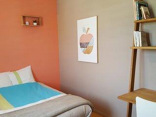 Chambre spacieuse dans villa à Lectoure