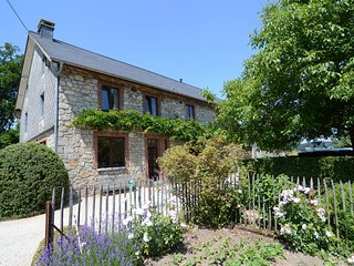 A comfortable cottage with an incredible garden, on the heights of Malmedy